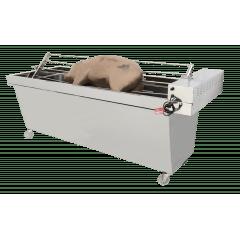 Churrasqueira portátil para costela com sistema de grelha  e espeto para assar porco